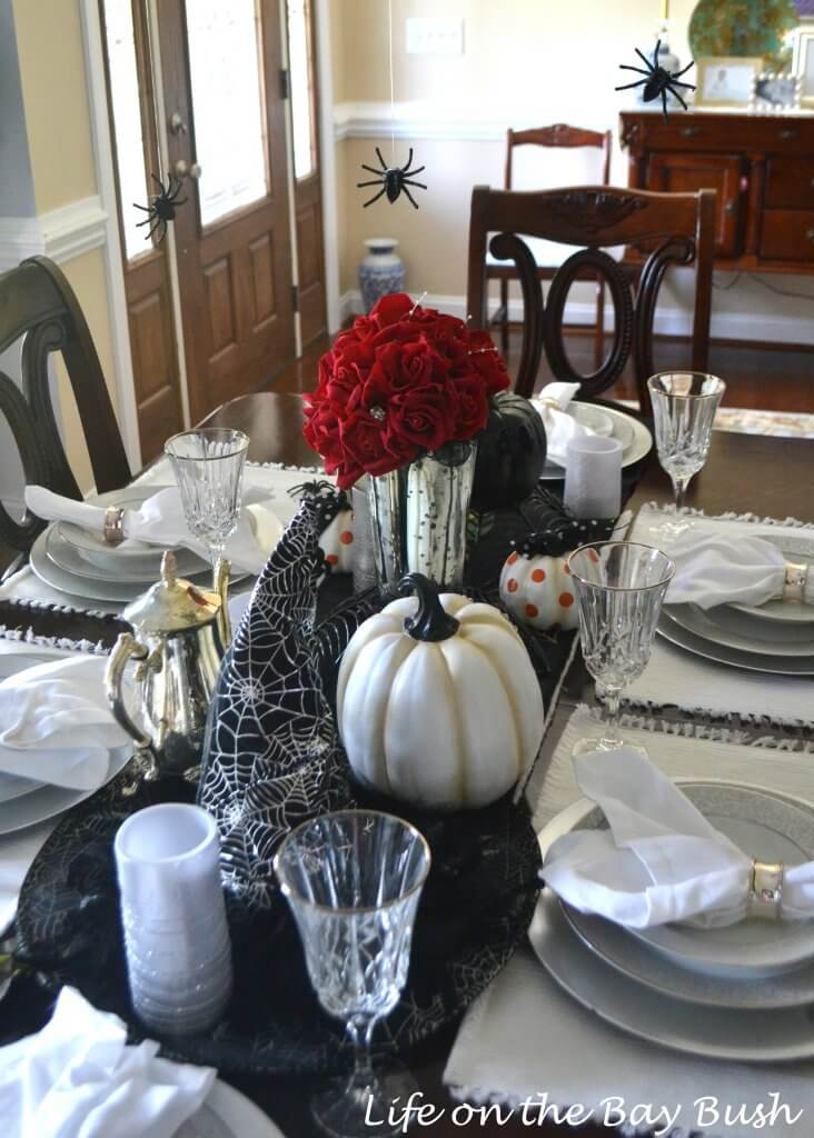 witches-hat-tablescape