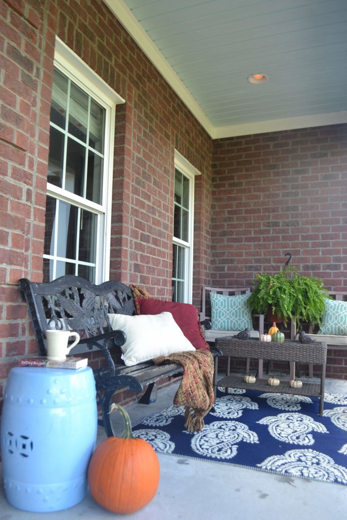 Loving that blue porch ceiling!  Totally going to try this one my vinyl porch ceiling!