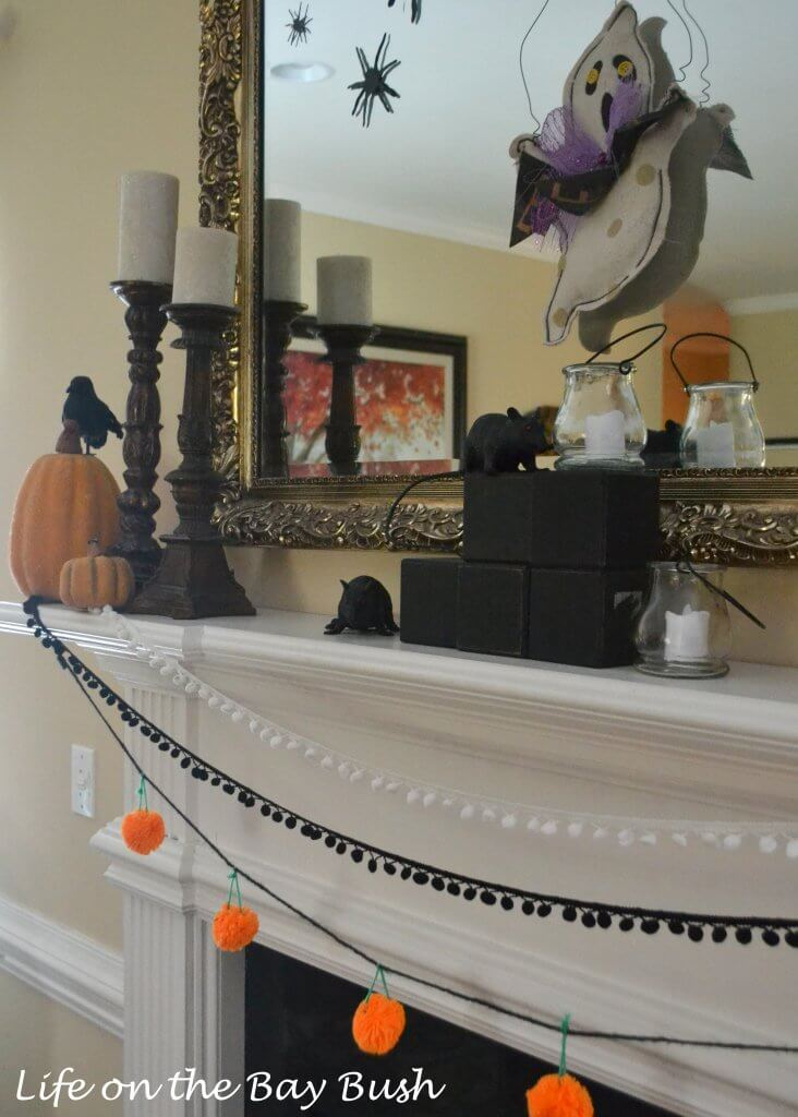 Halloween-mantle