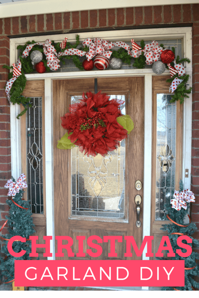 Video Tutorial that shows you how to make a Christmas Garland like the one above in an easy step by step way.