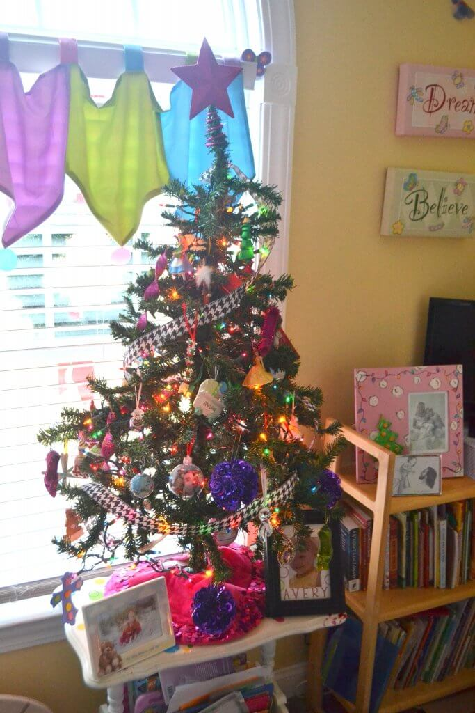 A sweet little Christmas Tree for a little girls room.